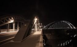 Osthafenbrücke bei Nacht
