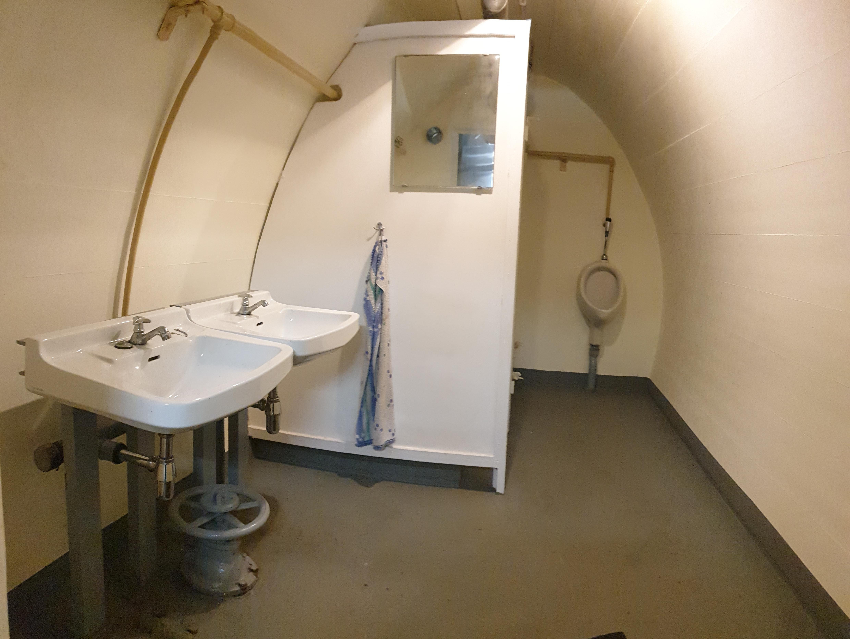 Toiletten für Mitarbeiter und Zivilisten